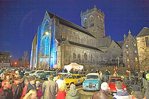 abbey monte crowds
